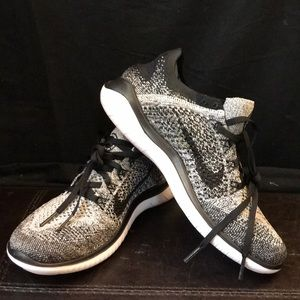 NWOT Nike Women's Free RN Flyknit Shoes
